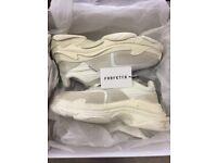 Balenciaga triple s trainer 2.0 white/ecru. BNIB. EU42 Uk8. 100% authentic from Farfetch Receipt