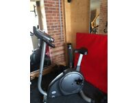 Exercise Bike with 6 fitness programmes and monitors for heart rate