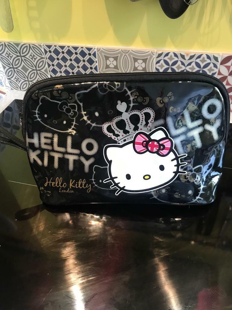 67ba5572cff Hello Kitty Travel Wash Bag | in Swindon, Wiltshire | Gumtree
