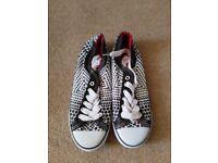 Brand new/Unworn women's size 6 pumps/ converse style shoes