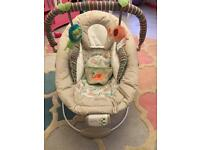 Comfort & harmony baby bouncer chair vibrates & music