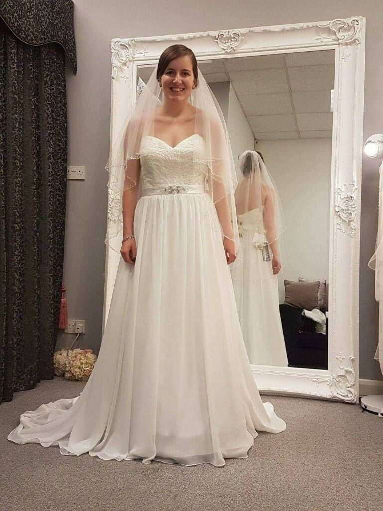 ivory wedding dress and veil | in Banchory, Aberdeenshire | Gumtree