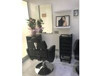 Beauty salon a chair for rent £450/month