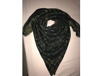 LOUIS VUITTON Monogram Shawls