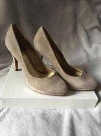 Beige suede platform shoes size 6 EU 39