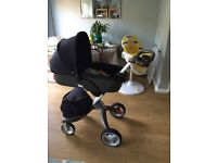 Stokke Xplory V3 Navy package including carrycot with brand new hood and other accessories in