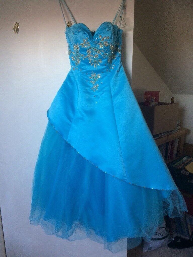 Beautiful prom/ball dress size 6. Never worn .