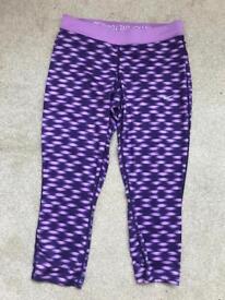 Nike Purple Gym/Running 3/4 leggings. Size Medium.