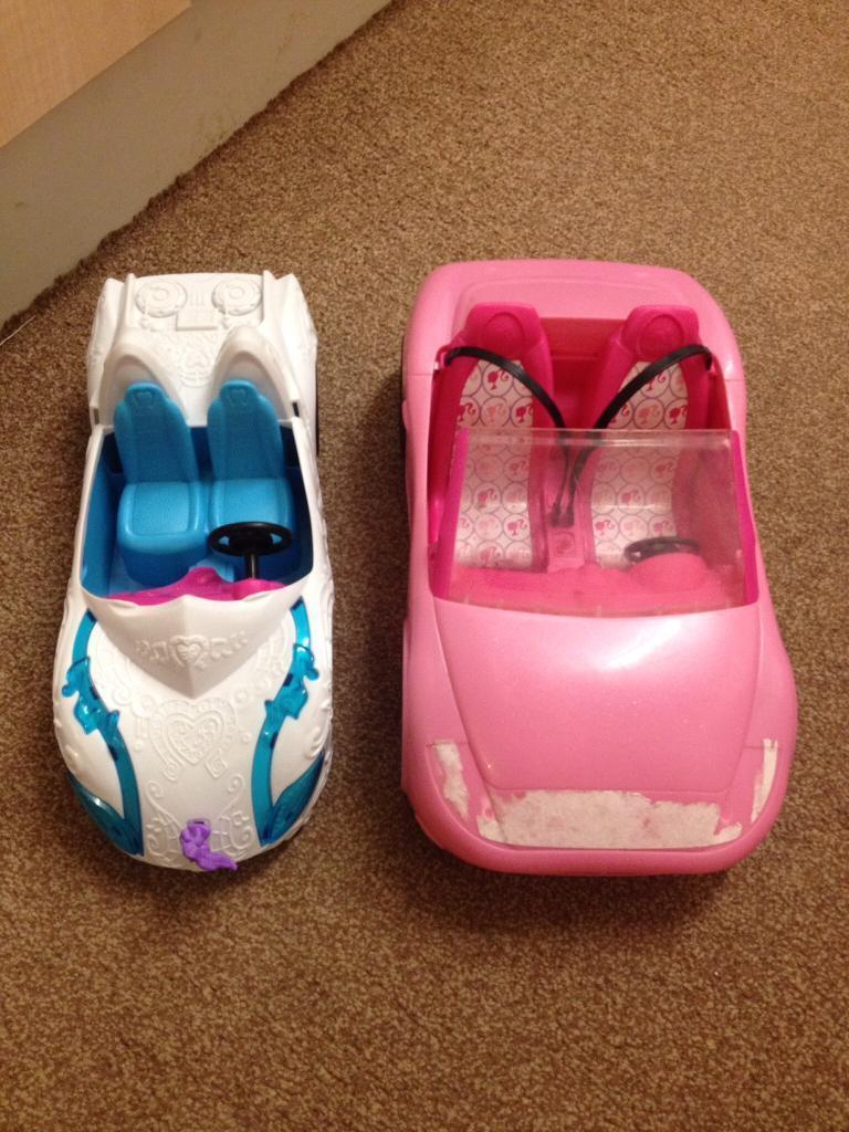 2 dolls car toys