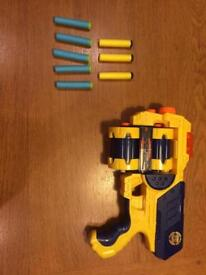 Nerf gun with 8 Bullets