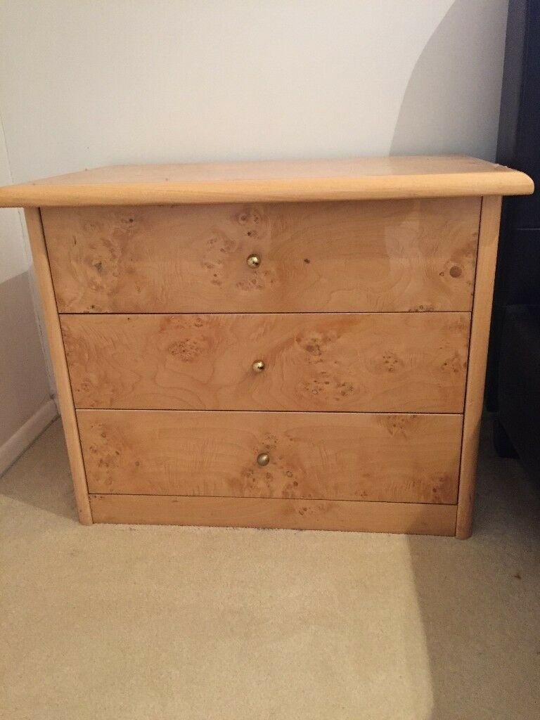 5 matching sets of good quality wood/gloss drawers