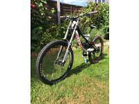 Specialized demo 8 downhill bike size small norco trek nukeproof