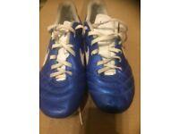 Football boots size UK5