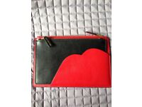 LULU GUINNESS 2 IN 1 CLUTCH BAG WITH SIGNATURE LIPS