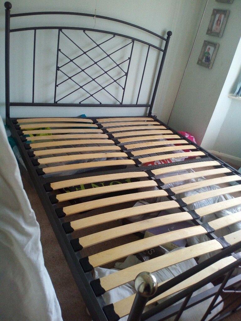 King Size (5ft) Metal frame bed