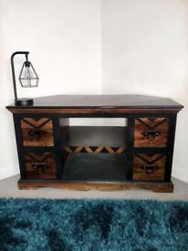 Beautiful TV unit with black detailing