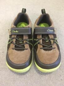 CLARKS Boys Girls Shoes NEW Trainers Brand New Size 10.5 G 28.5 4-5 years old