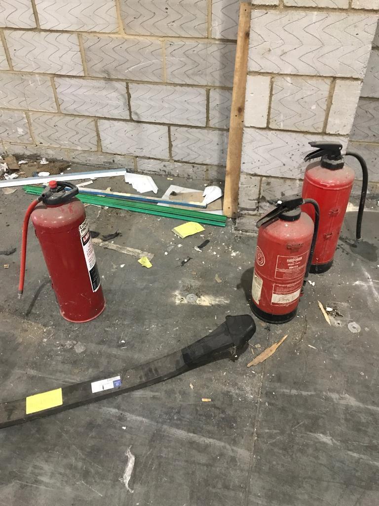 Free fire extinguishers (4)