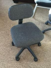2 x Small Child size swivel office style chairs