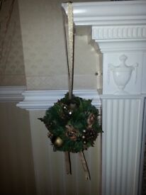 Hanging Christmas Decorations Gold & Green
