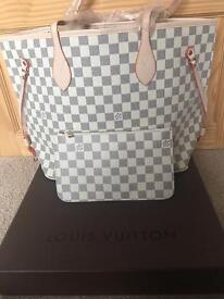 Louis Vuitton White Chequered Neverfull MM bag with a pouch for sale