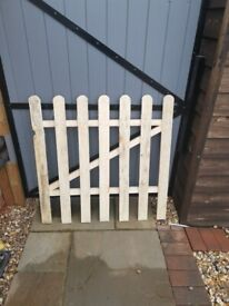 Brand new Picket fence panels and 2 Gates