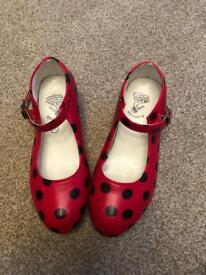 Girls Spanish shoes size 11