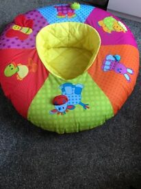 Baby play ring donut seat