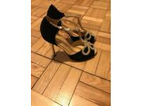 Black and gold diamonte brand new size 4