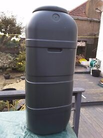 Water butt new 100ltr with tap and stand