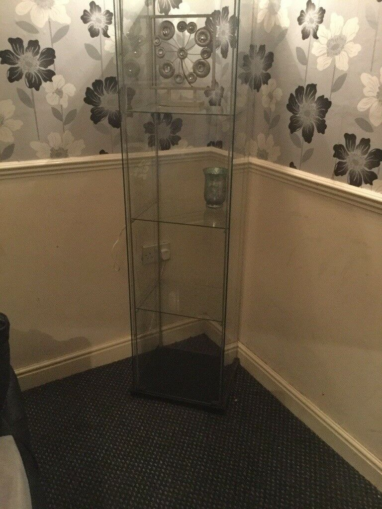 Glass cabinet £5, (pending collection)