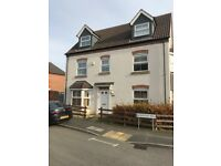 5 BEDROOM LUXURY HOME-3 STORIES-WHITE GOODS INCLUDED-AVAILABLE TO VIEW ASAP-TROSTERY ROAD-£1250PCM