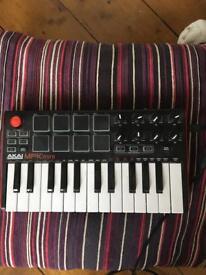 Akai MPK mini MIDI/CONTROLLER
