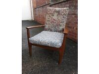 Parker knowle chair. Needs a little tlc. Wonderful!