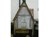 Wooden hen house by Jim Vyse only 2 years old in good condition