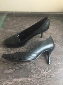 New Dorothy Perkins leather black heel shoes 7