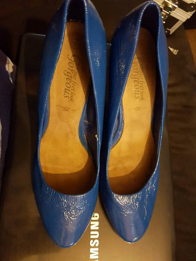 New look size 8 high heels blue