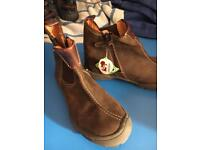 New boy Chelsea boots with zip designer Noel sz 33 brown nubuck / new with tags