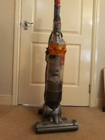 Dyson DC18 Upright vacuum cleaner Spares or repair
