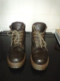 Dr Martens 8283, vintage, original, mens brown leather ankle boots, size 9/9-1/2 made in England.