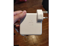 Apple 85W Magsafe power adapter for Macbook Pro