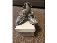 Girls Silver Glitter Occasion Shoe - Size 9