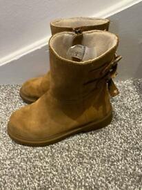 Girls Ugg Boots Size infant 12