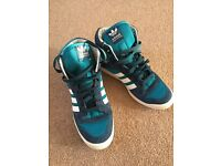 Adidas Originals men size 7.5 brand new