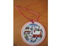 Villeroy & Boch Naif Laplau porcelain hanging Christmas ornament. Excellent condition. £4 ovno.