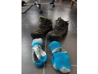 Child's walking boots J12