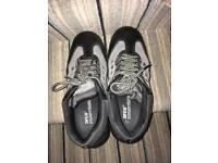 Size 7safety shoes brand new