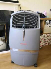 Honeywell aircooler with remote and instructions
