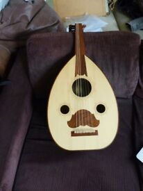 Beautiful Oud in perfect condition