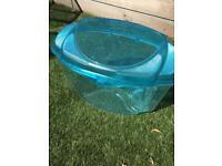 Medium and smaller plastic vivariums/animal carriers
